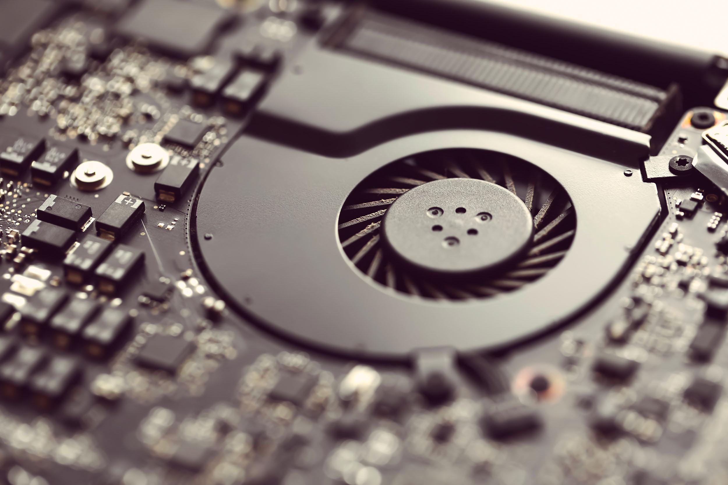 Охлаждение (кулер) игрового ноутбука