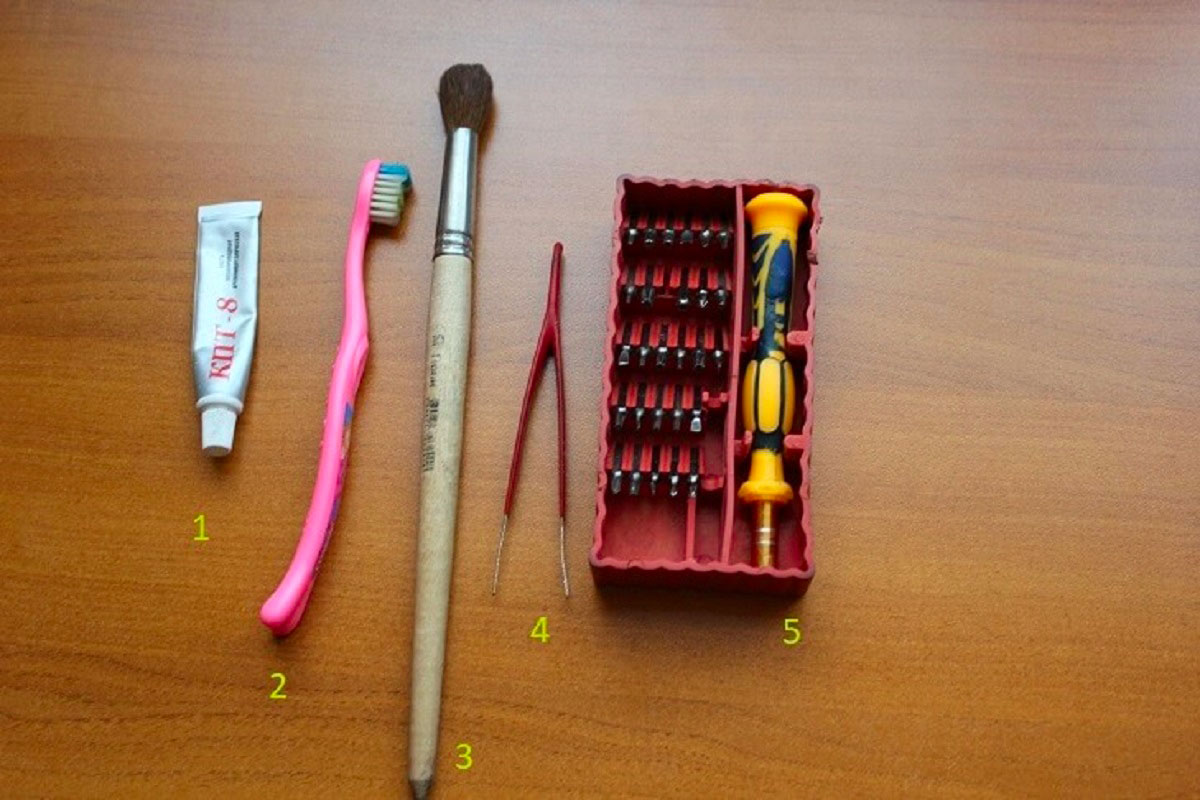 Какие инструменты могут пригодиться для чистки