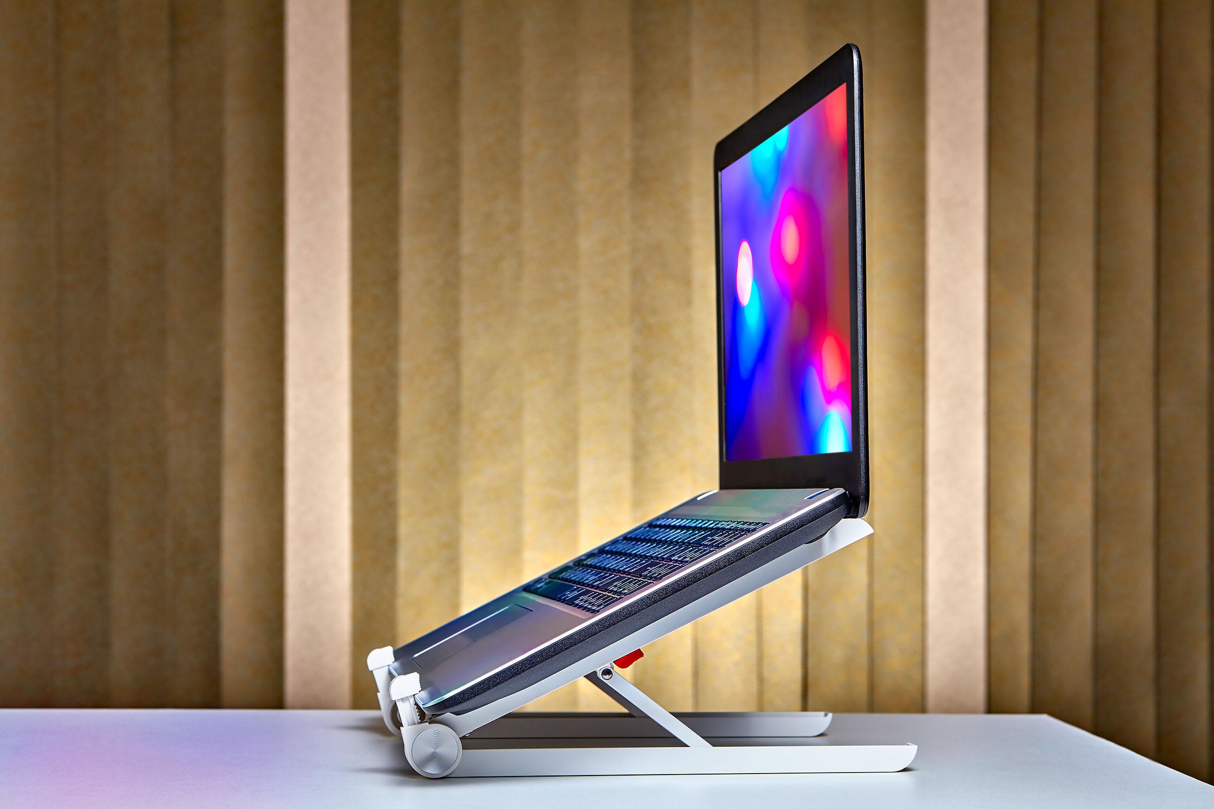 Нужна ли подставка для ноутбука