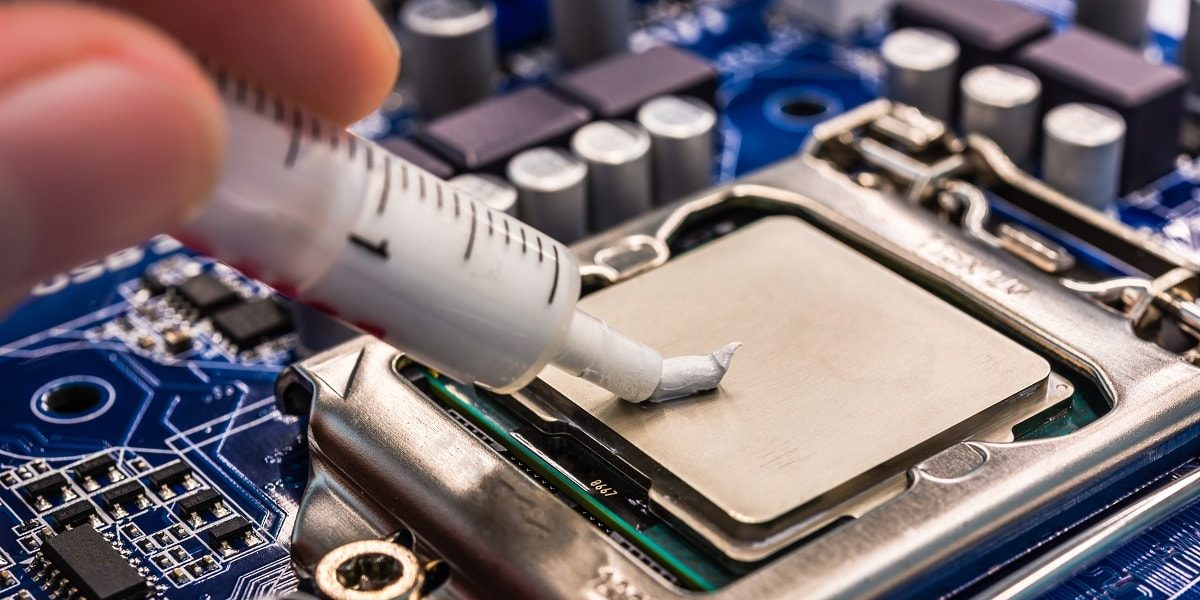 Как ремонтировать ноутбук с помощью термопасты