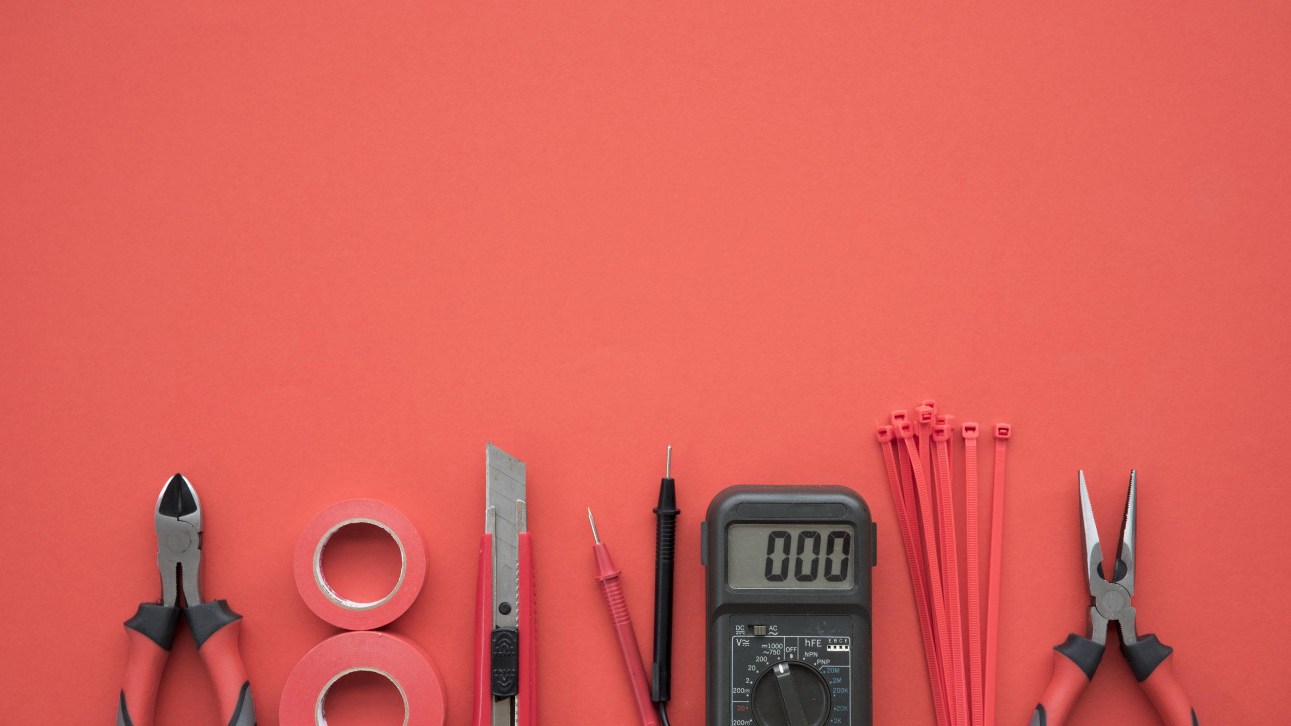 Как заряжать батарею лабораторным блоком