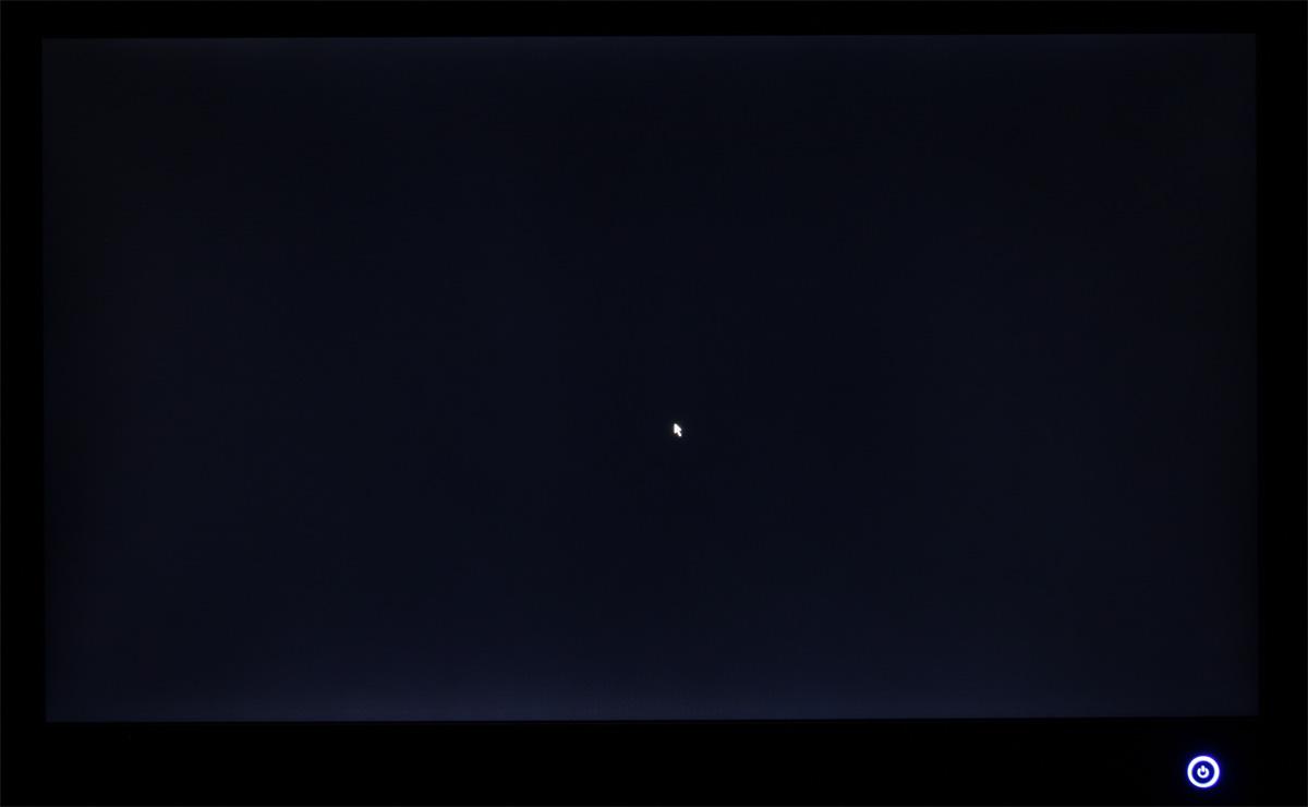 фото Черный дисплей с курсором